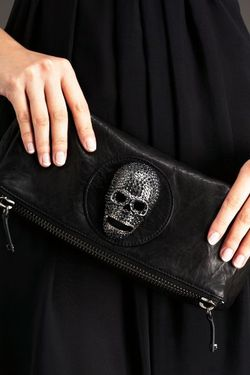 ThomasWylde_SkullClutch