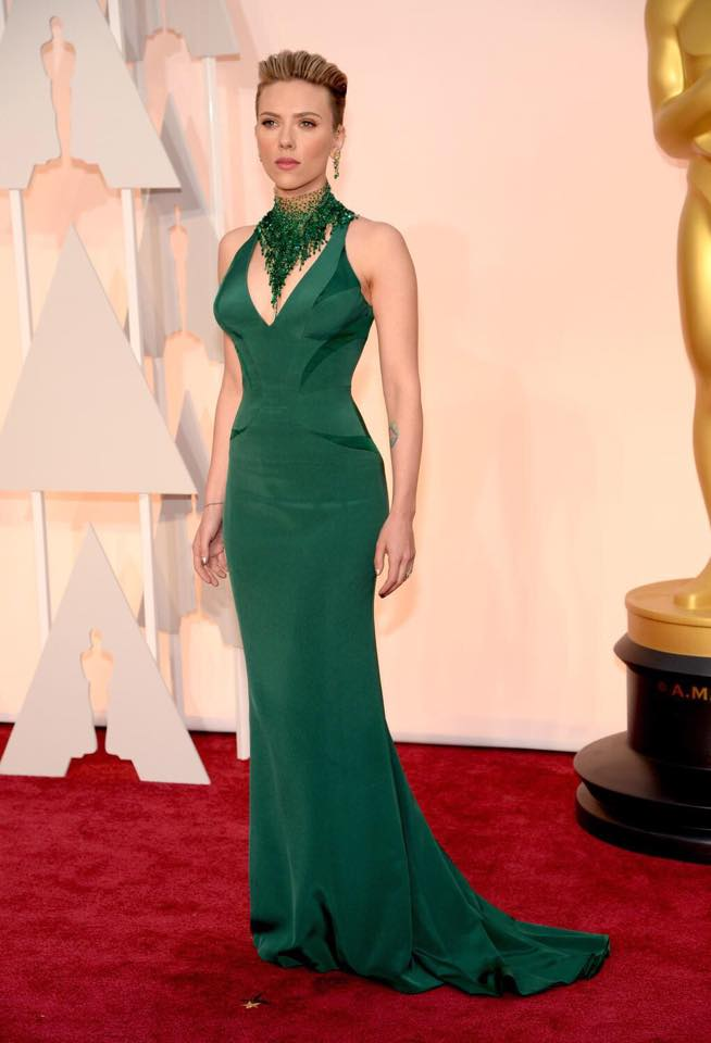 Scarlett Johansson in Atelier Versace Emerald Green Gown -- 2015 Oscars 87th Academy Awards